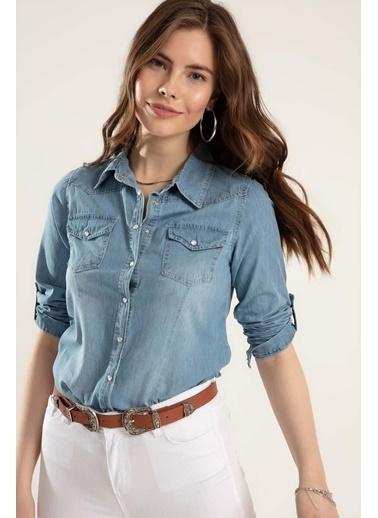 Pattaya Pattaya Kadın Çıt Çıtlı Katlanabilir Kol Kot Gömlek Y20S110-3411 Mavi